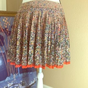 American eagle outfitters size 8 pleated skirt EUC